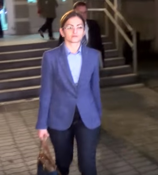 Ексиминистерката Јанкулоска го напушти судот по 9 часа распит