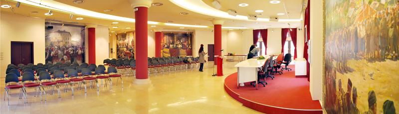 Дел од мебелот и столиците во Музејот на ВМРО | Фото: Официјална веб-страница на музејот