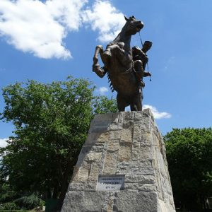 Никола Петров Русински е еден од двата споменици што ги донираше Здружението на Сетинци, Попадинци и Крушоради од Лерин, а бесплатно ги изработи Стевановска | Фото: БИРН