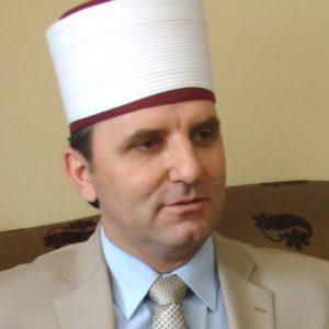 Африм Таири: Секуларноста на државата е директно нарушена и со одлука на Владата во рамките на проектот Скопје 2014 да се градат цркви
