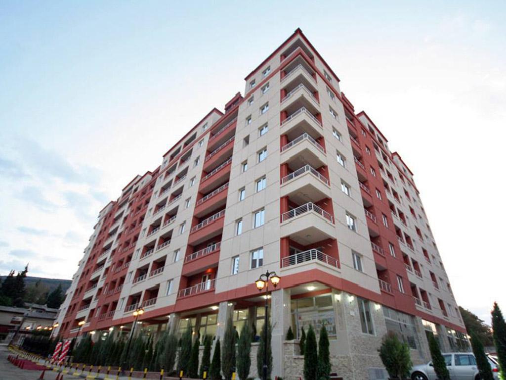 """Зградата на улицата """"Димитар Мирчев"""" во која станови имаат повеќе функционери на ВМРО ДПМНЕ"""