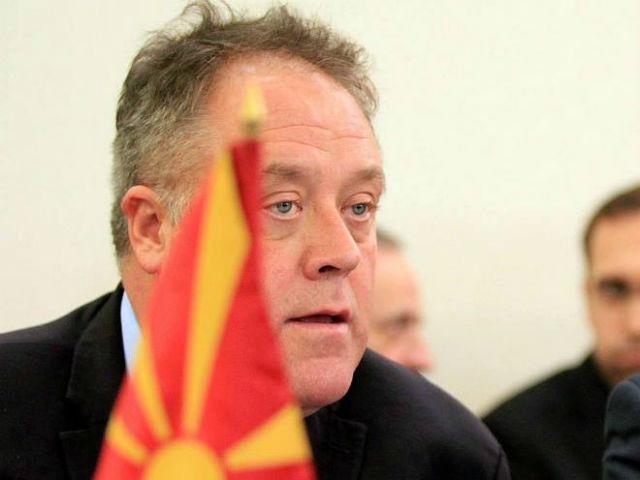 Ховит во целост се согласува со изјавата на петмината амбасадори дадена минатата недела, со која прстот се впери кон владејачката ВМРО-ДПМНЕ за неисполнувањето на Договорот од Пржино