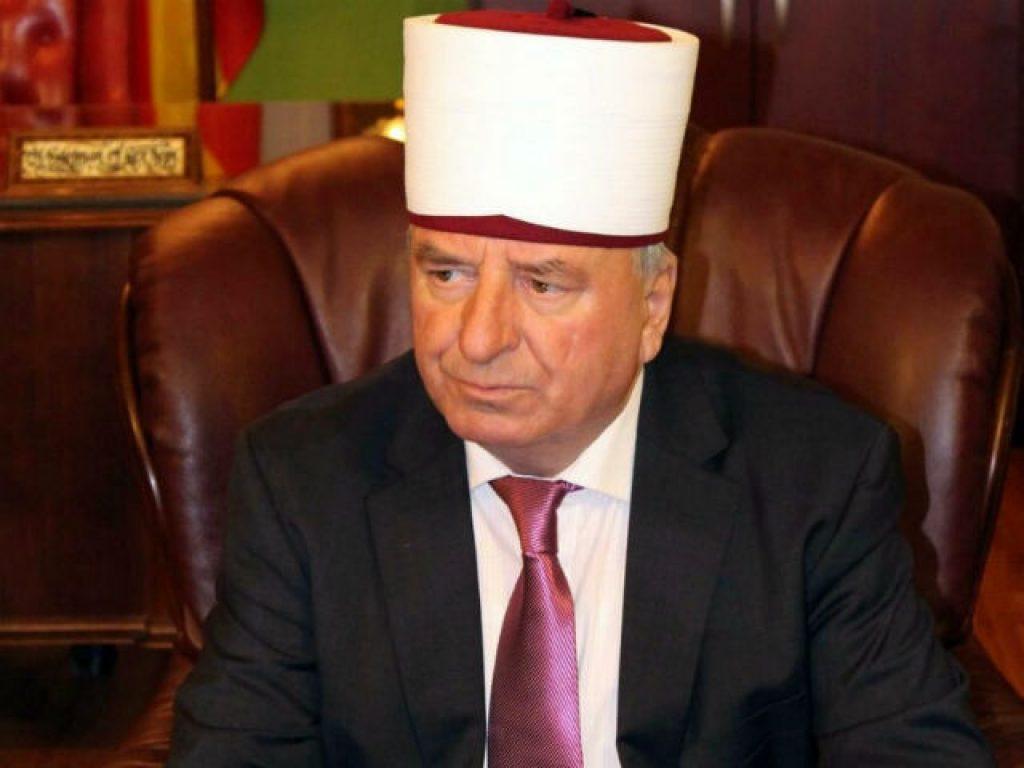 Реџепи е веројатно единствениот верски поглавар во Македонија кој отворено го вперува прстот во Никола Груевски | Фото: ИВЗ