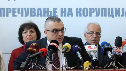 Претседателот на комисијата Миленков на последната прес конференција ги избегна прашањата на новинарите