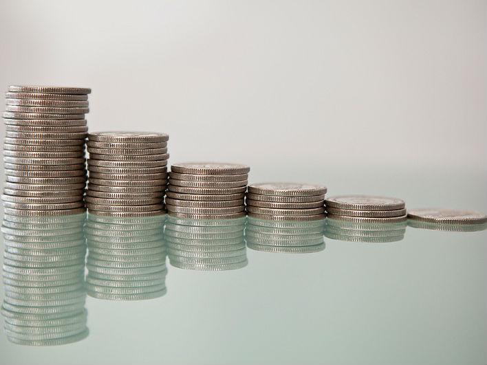 Eкономистите го отвораат прашањето зошто нивото на капитални расходи не е зголемено со оглед на тоа што вкупниот буџет во однос на годинашниот е зголемен за цели 5% и ќе изнесува речиси три милијарди евра