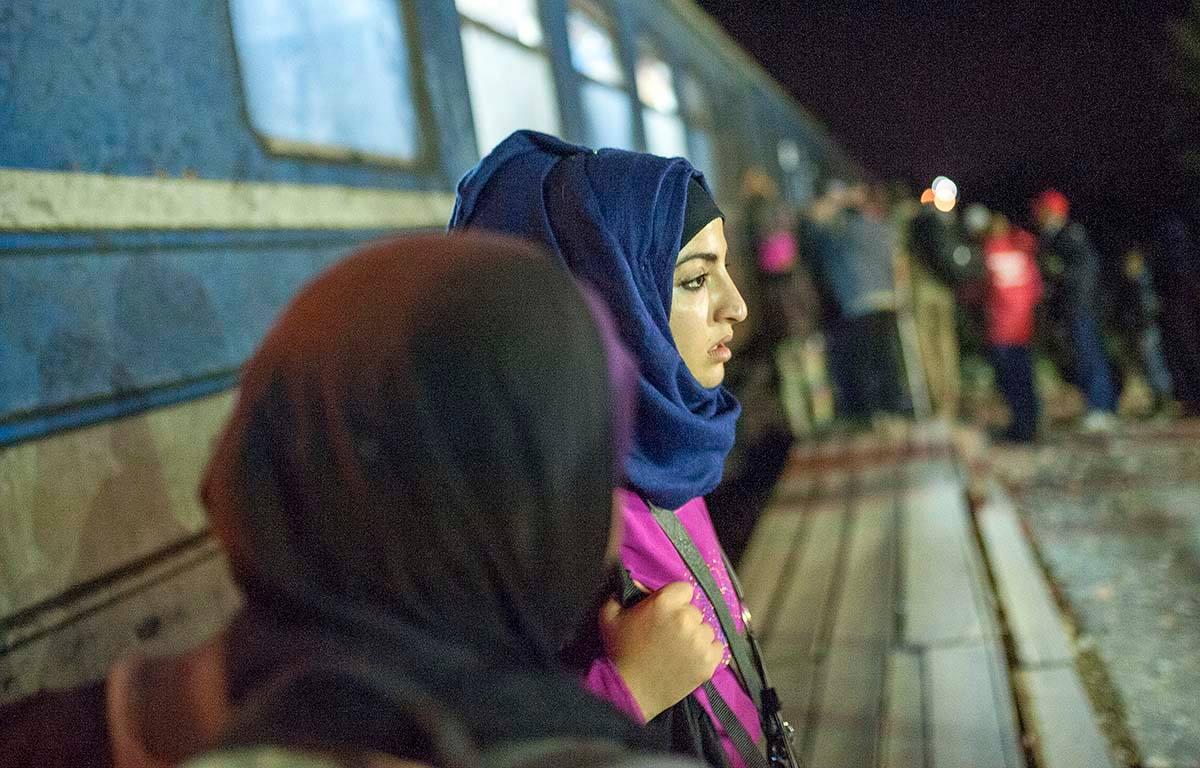 Сиријците, меѓу кои и сетрата на Сара ни раскажаа дека од рутата најопасно е патувањето по море, бидејќи во еден чамец се сместуваат многу бегалци / Фото: Роберт Атанасовски