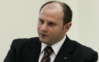 Владимир Ефтимоски, првиот братучед на Ставрески, тврди дека станот го купил за своите деца
