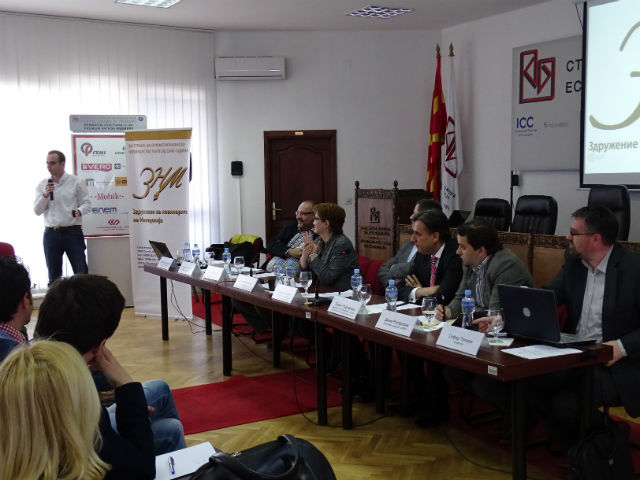 Драган Секуловски од ЗНМ преку финансиски извештаи аргументираше дека системот на финансирање на МРТ треба да се реформира со цел да се обезбеди поголема независност на Јавниот сервис од државниот апарат / Фото: З.Ричлиев