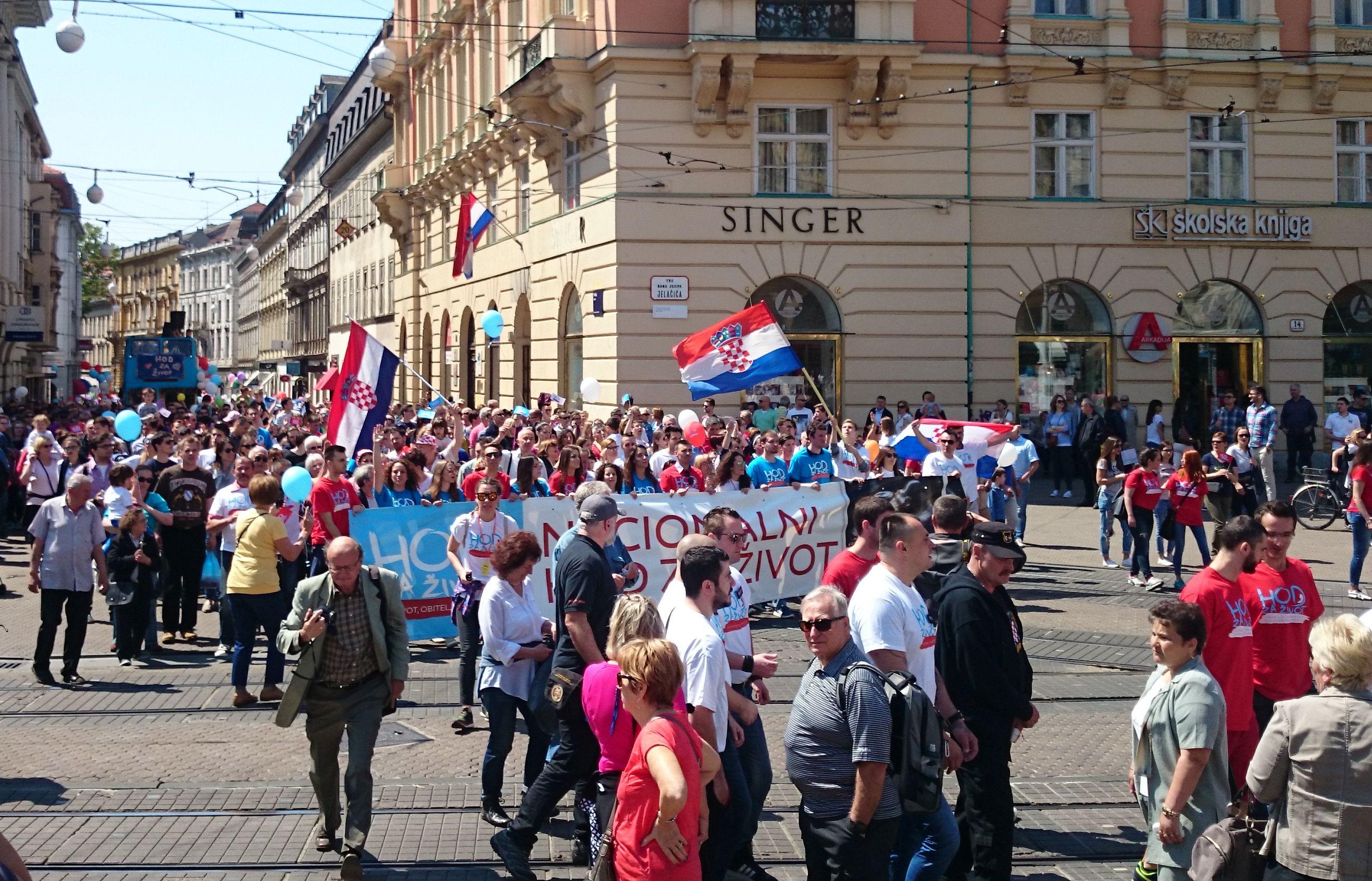 """Маршот за живот"""" во Загреб во мај 2016 година, организиран од страна на конзервативните групи кои се против абортусот. Фото: Масењка Бачиќ"""