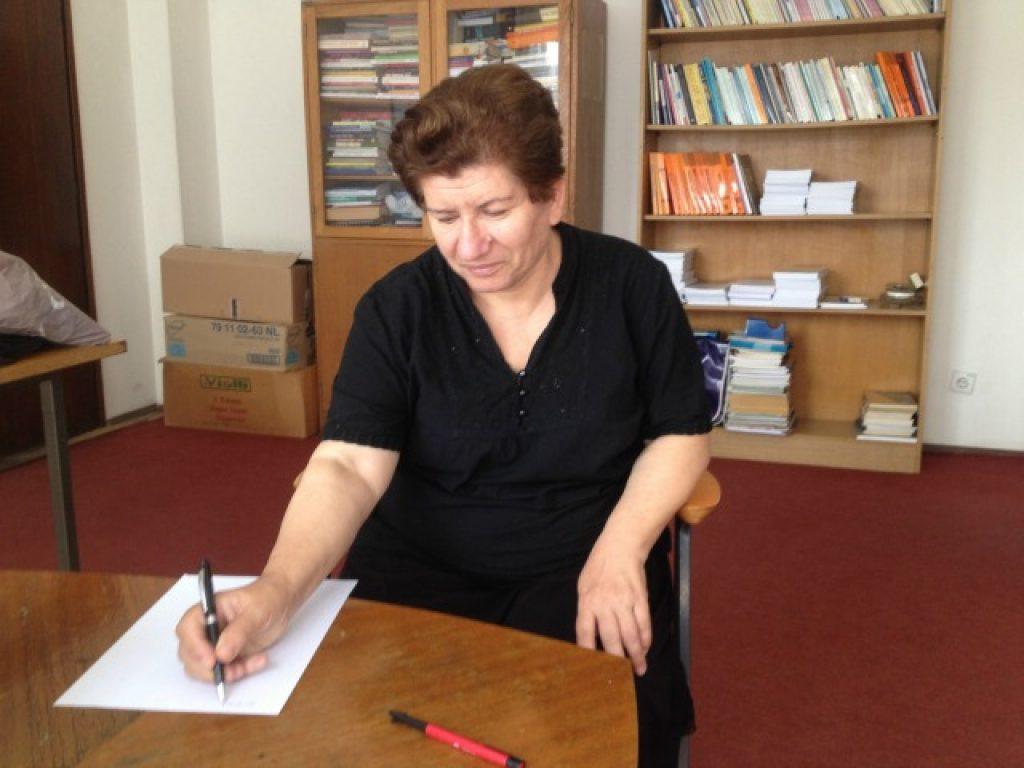Социологот д-р Нада Новаковиќ во нејзината канцеларија во Институтот за општествени науки во Белград. Фото: Марија Јанковиќ